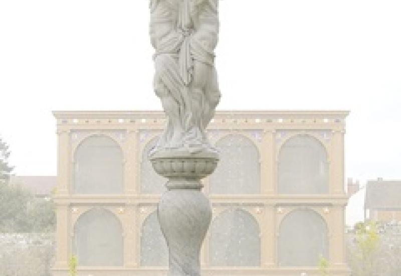 The new Carrara Marble fountain in the Elizabethan Garden at Kennilworth Castle.