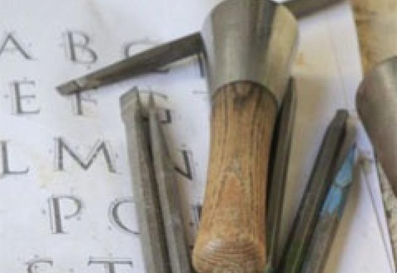 Whether you are a beginner or a more experienced worker there will be a lot to learn from this lettercarving course on Purbeck in the summer.