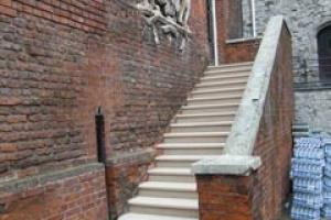The new Portland limestone steps at the Tower of London installed by London Stone Conservation.