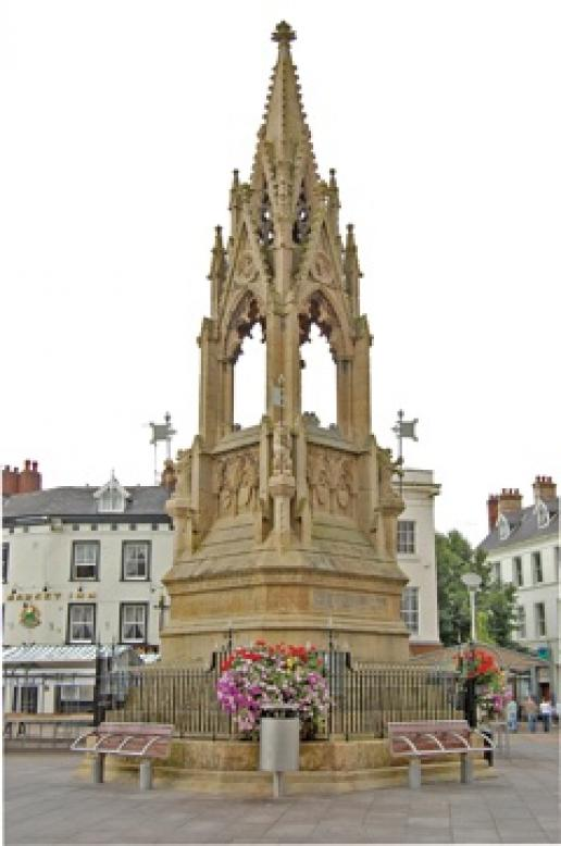 The Bentick Memorial in Mansfield that was repaired by Bonsers.