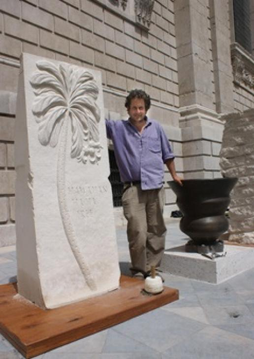 Sebastian Brooke will be carving outside St Paul's Cathedral in London until September.