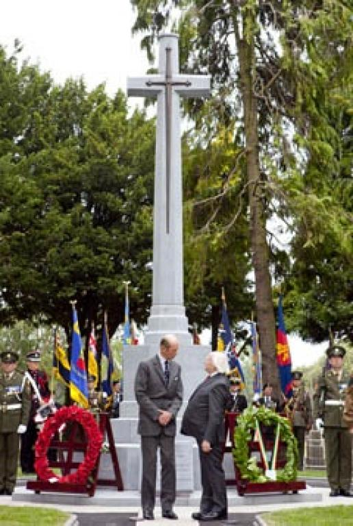 The Duke of Kent (left) and the President of Ireland at the unveiling of the Cross of Sacrifice. Photo: Chris Bellew / Copyright: Fennell Photography
