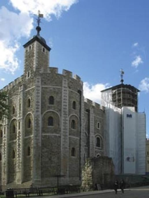 Steanhealth Torc and Doff cleaning systems are helping the White Tower – the original Tower of London – live up to its name.
